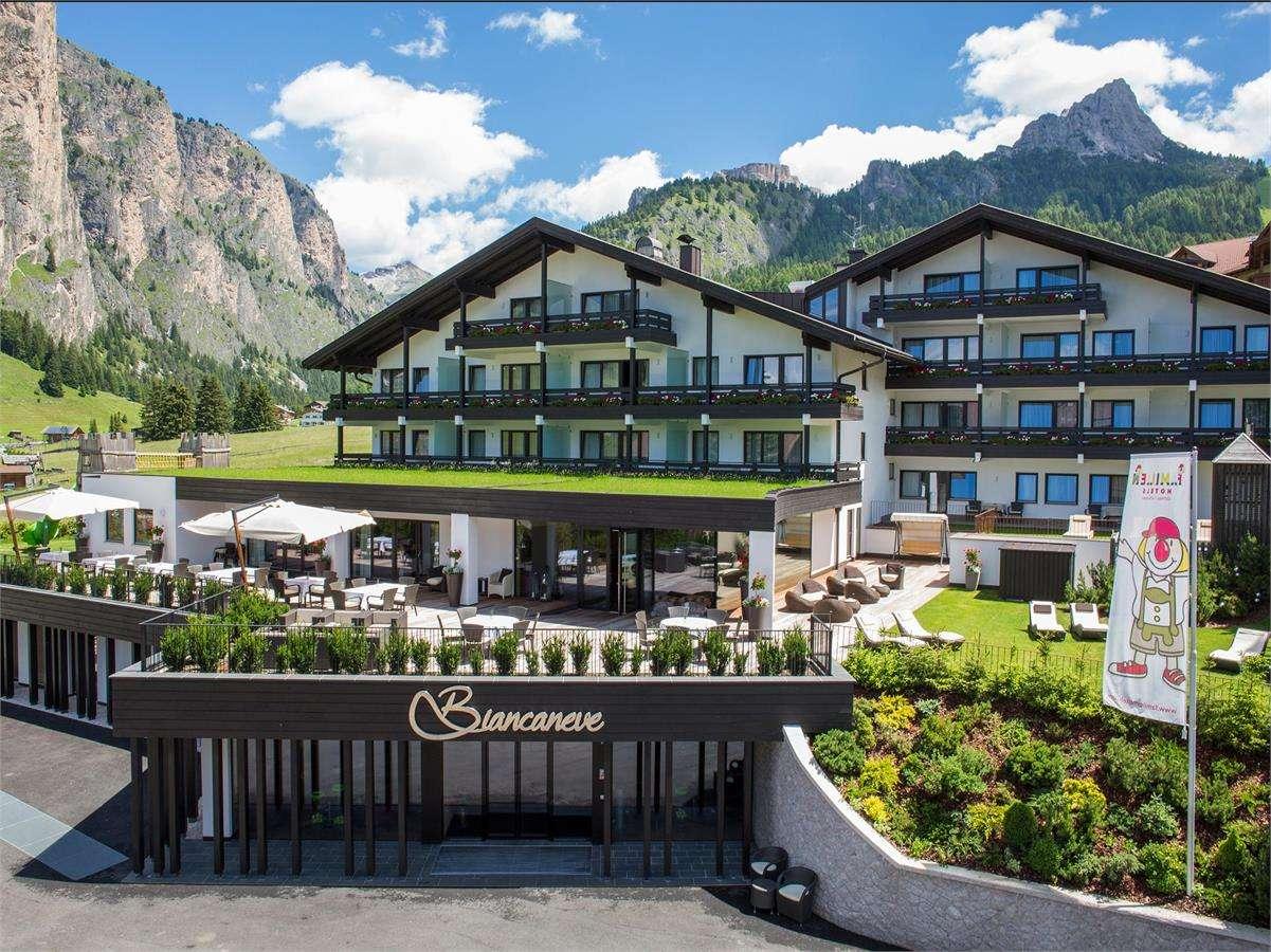 Biancaneve family hotel s selva in gr den str cir 36 for Design hotel val gardena