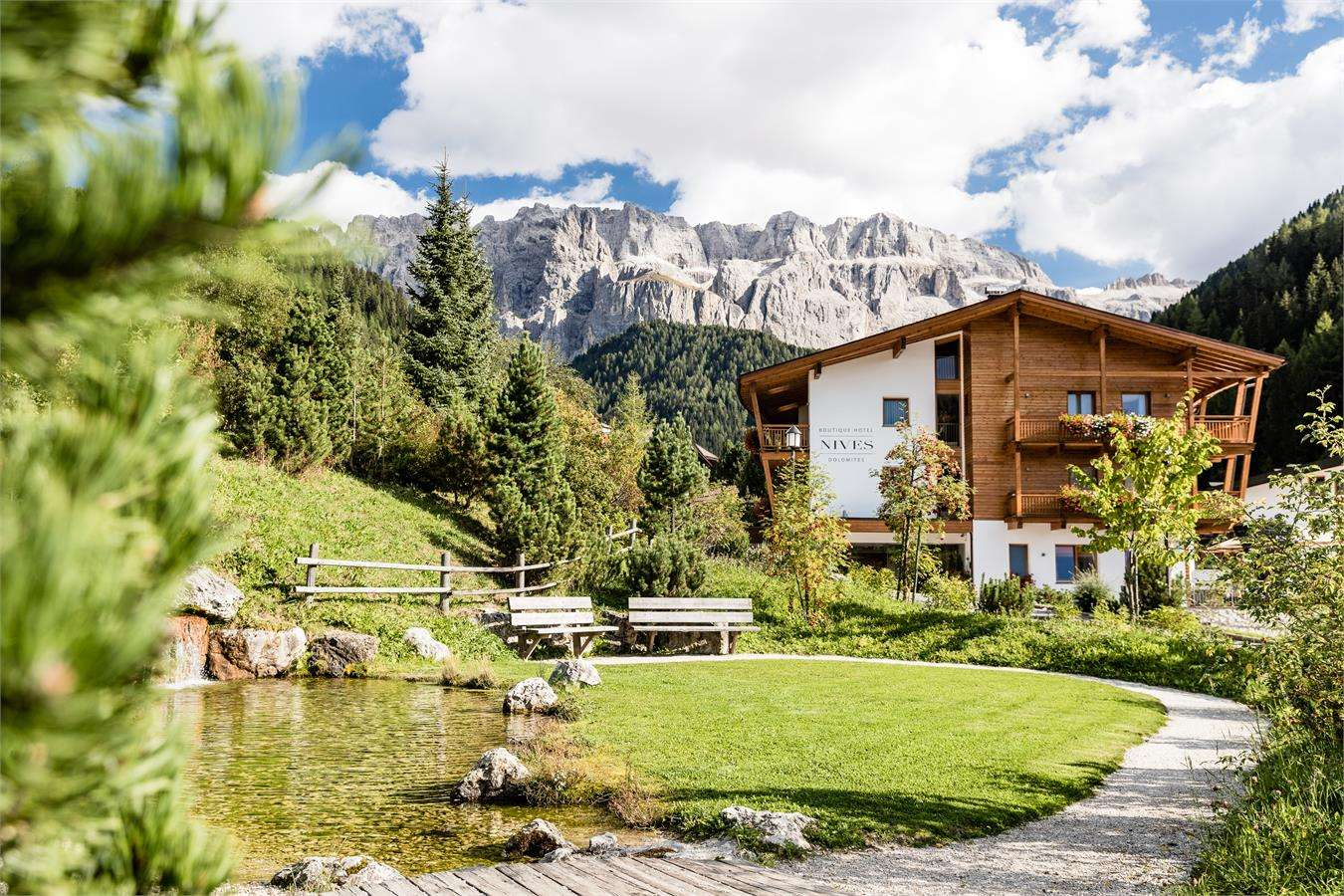 Boutique hotel nives luxury design in the dolomites for Design hotel ortisei