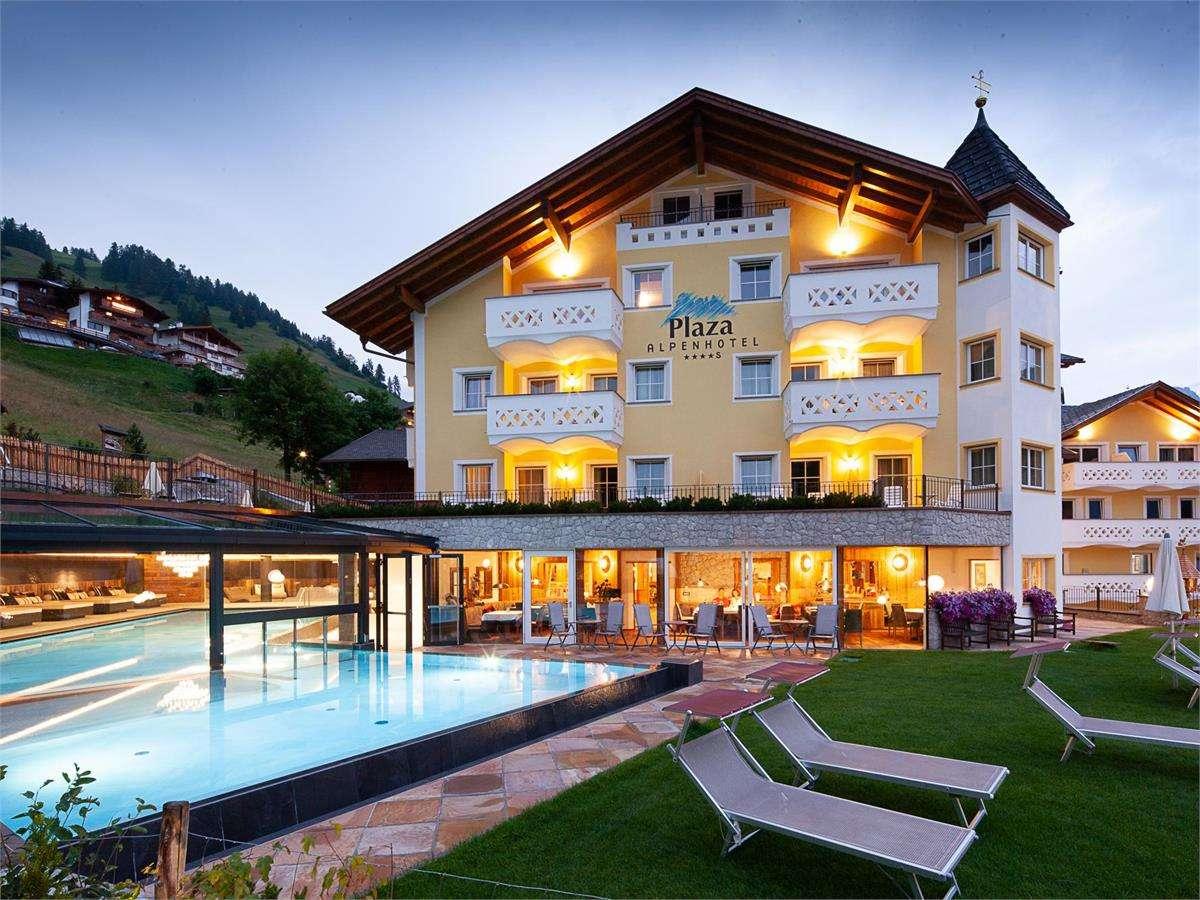 Alpenhotel plaza s s cristina in gr den str cisles 5 for Design hotel val gardena