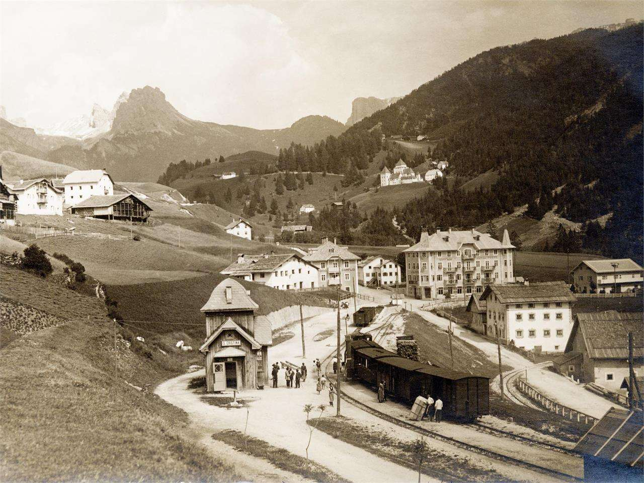 A journey into the past - Walking along the old Val Gardena Railway ...
